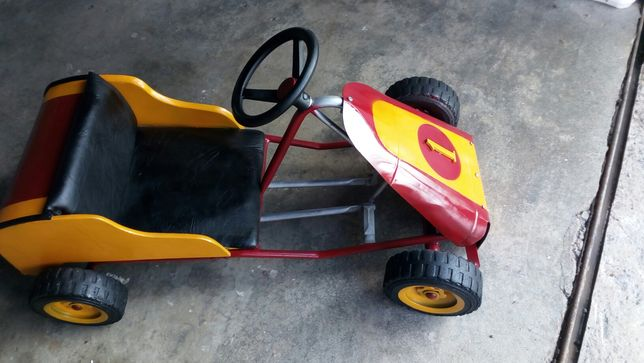 Carrinho a pedal restaurado