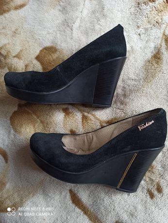 Туфли, ботильоньі, босоножки женские р.37-38 кожа