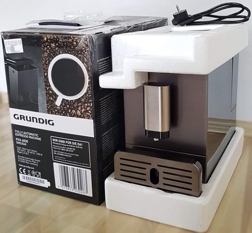 W pełni automatyczny, ciśnieniowy ekspres do kawy Grundig KVA 4830