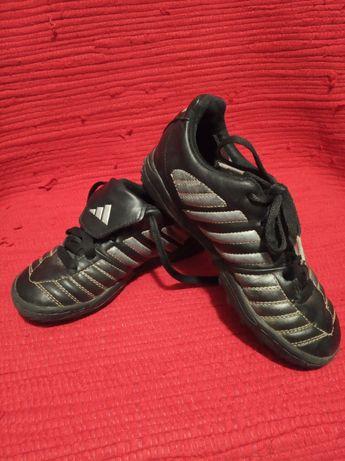 Buty typu korki halówki Adidas wkładka 18 cm