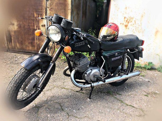 Мотоцикл ИЖ Юпитер 5 + два шлема