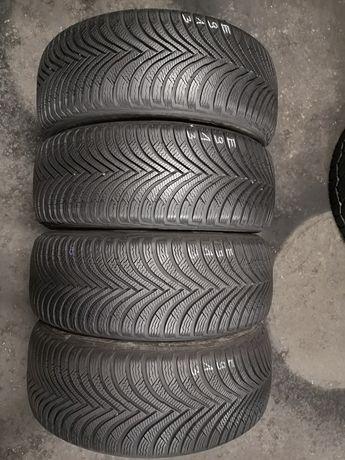 Opony zimowe 215/45/16 Michelin 4szt 8,2mm 2017r