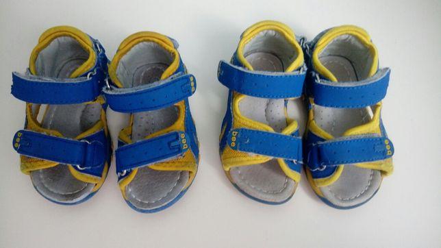 Продам две пары детских босоножек Clibee(Клибе)19 и 20 размеры.