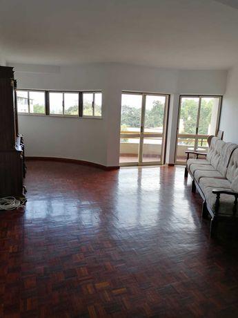 Arrenda-se apartamento T2 no centro da cidade de Viseu