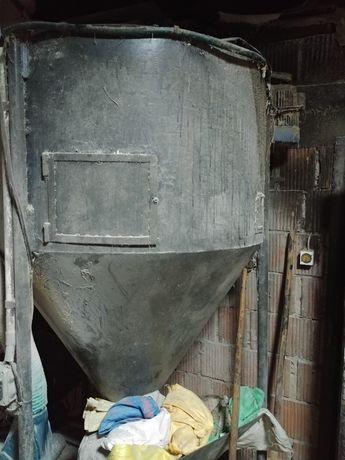Mieszalnik pasz 600kg