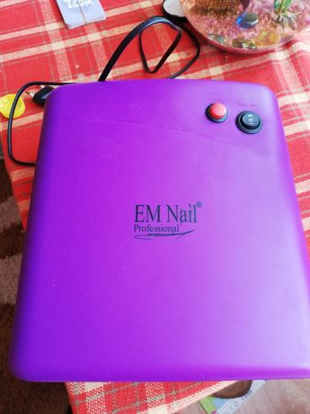 Lampa EM Nail