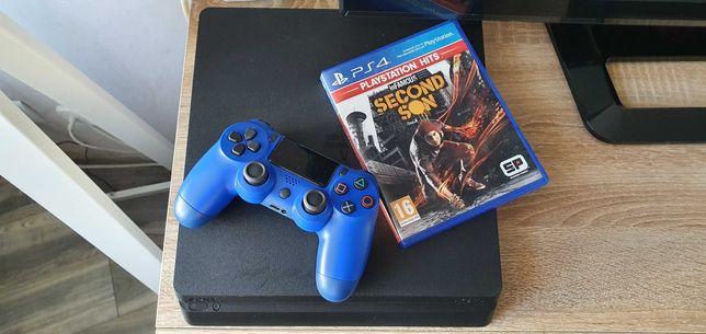 Konsola PlayStation 4... 1 Terabajta ... 8 gier ... Zadbany PS 4