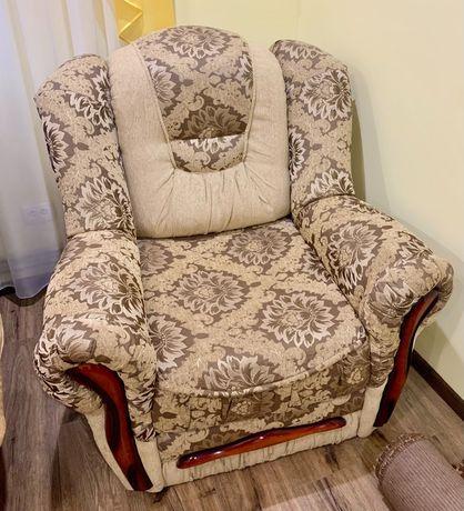 М'ягке розкладне крісло
