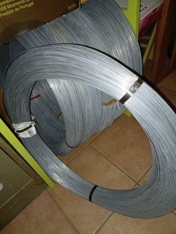 Arame galvanizado 2,4 mm rolo 40kg