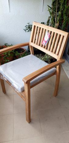 Cadeira de Jardim com braços
