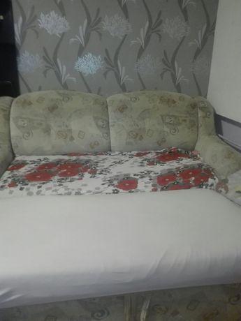 Продаю диван в отличном состоянии