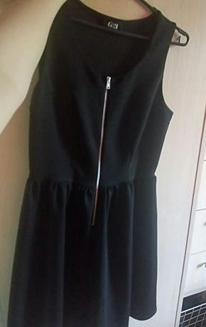Czarna sukienka z zamkiem na rozne okazje M