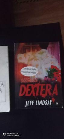 Świetna książka Dekalog Dextera ( na podst. serialu Dexter ) Czytamy!