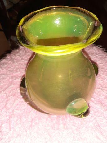 Продам красивую вазу жёлтого цвета