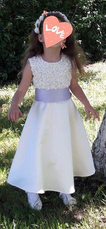 Нарядна сукня на випускний в садочок