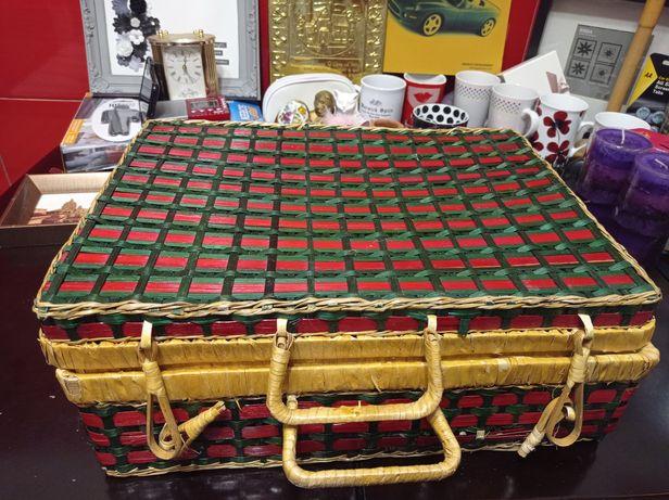Плетёный чемоданчик, сундучок