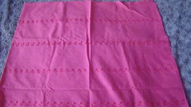 Tkanina haftowana kolor różowy biskupi 160 x 107