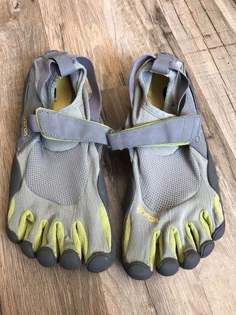 Кроссовки с пальцами Vibram р.40 оригинал