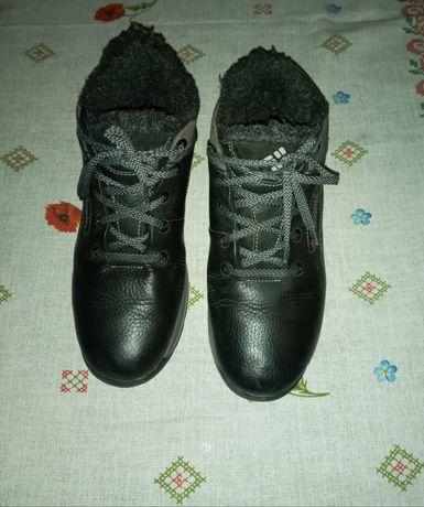 Продам шкіряні зимові черевики