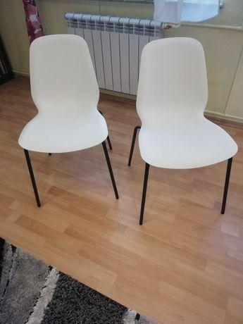 Krzesła białe do kuchni jadalni