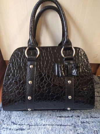 Продам новую красивую сумку.
