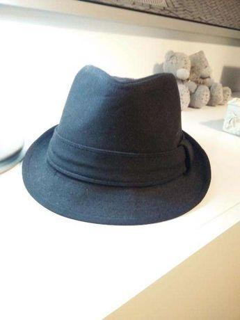 Chapéu com etiqueta