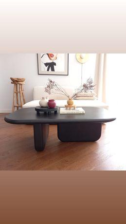 unikatowy czarny stół, stolik kawowy, drewno, drewniany, homeaddict