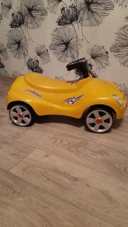 Продам машину каталку-толокар детская