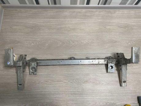 Infiniti QX30 - усилитель под радиатор