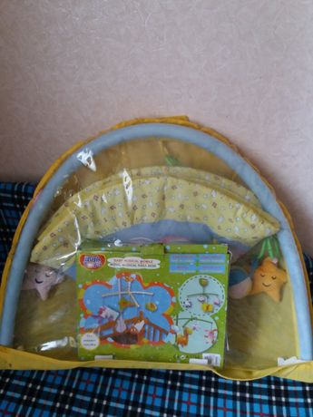 Детский коврик и карусель