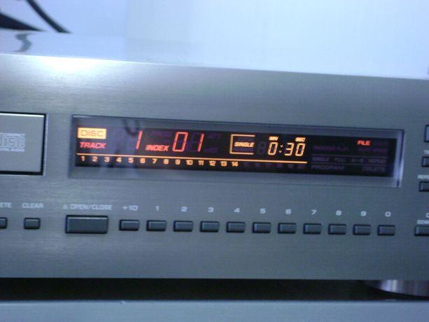 odtwarzacz cd YAMAHA CDX-930