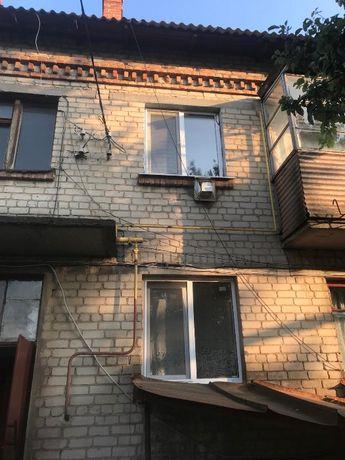 Продам 3 комнатную квартиру в г. Гуляйполе ул. Махно с гаражем