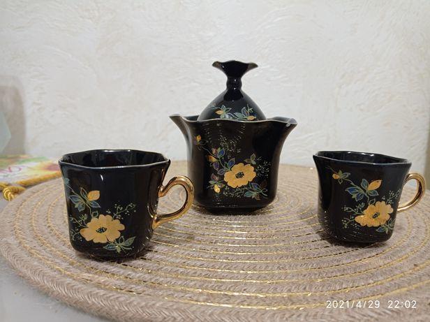Чашечки для кофе и сахарница.Сделано в СССР.Очень красиво.