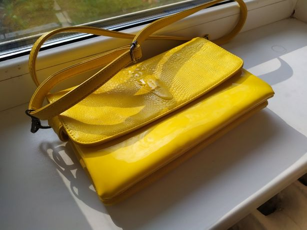 Женская сумочка (состояние новой)