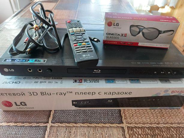 Продам 3D Blu-ray плеер с караоки LG BD650K