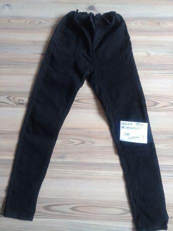 Spodnie 134/140 idealne