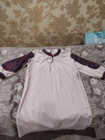 Плаття жіноче стильне