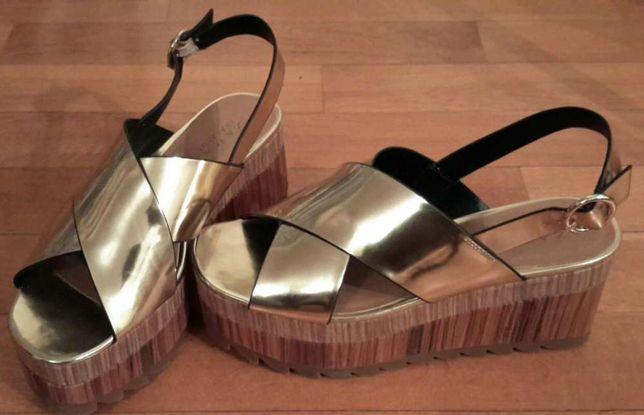Sandálias de cunha - Zara