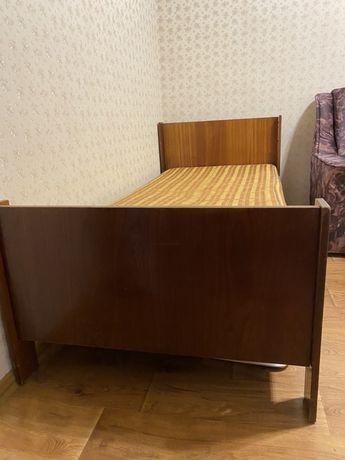 Кровать полуторная