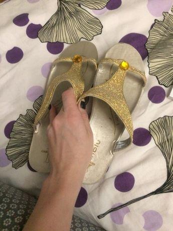 Złote klapki Inblu 40 26cm