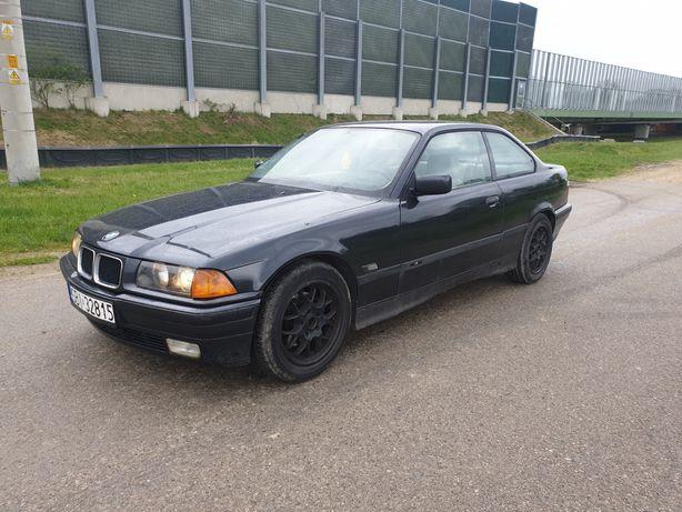 BMW E36 318is ori z vinu