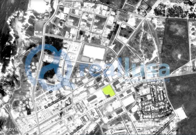 Terreno de 2.362m² com construção 1 000 000 €