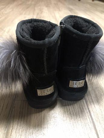 Уги (чобітки) для дівчинки