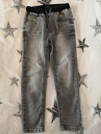 Reserved spodnie rozm. 122