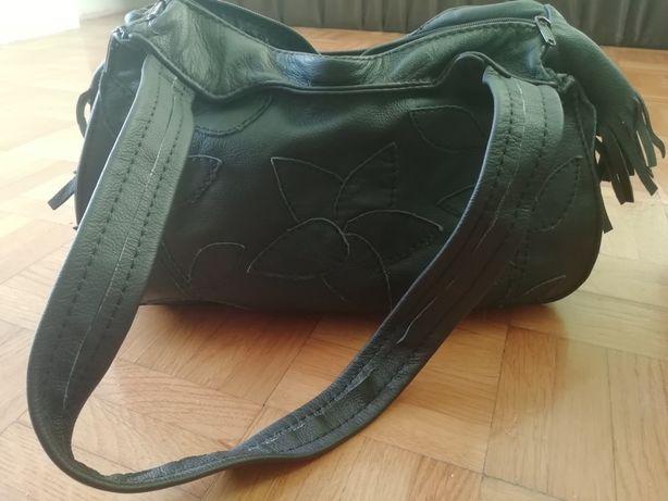 Czarna torebka z naturalnej skóry