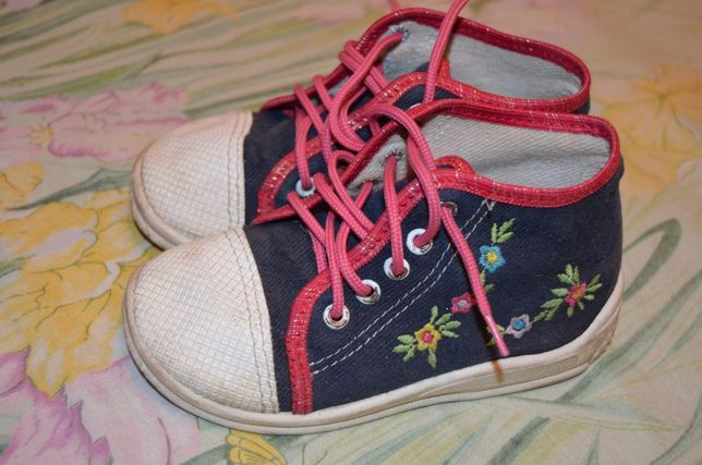 Обувь кеды в стиле вышиванки - кроссовки . Стелька 15,5 см