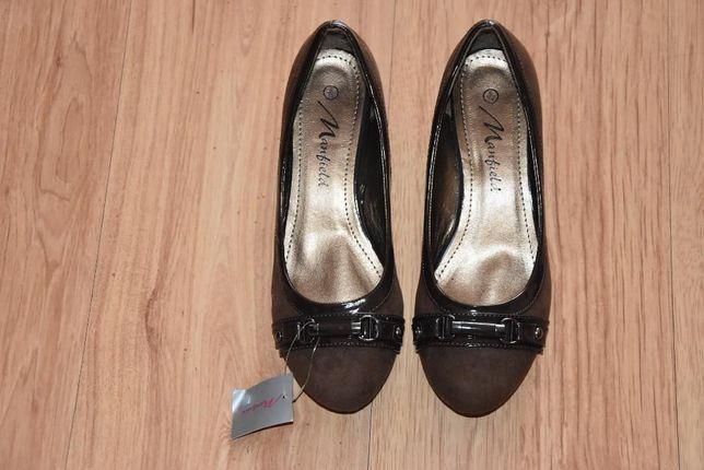 NOWE Zamszowe,brązowe buty,Czółenka damskie Manfield roz 39