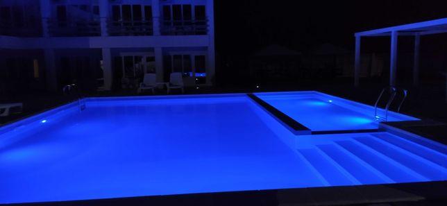Отель, база отдыха в Счастливцево с бассейном