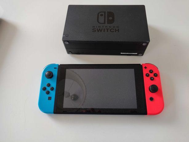 Nintendo Switch plus 13 gier i karta pamięci 128 GB