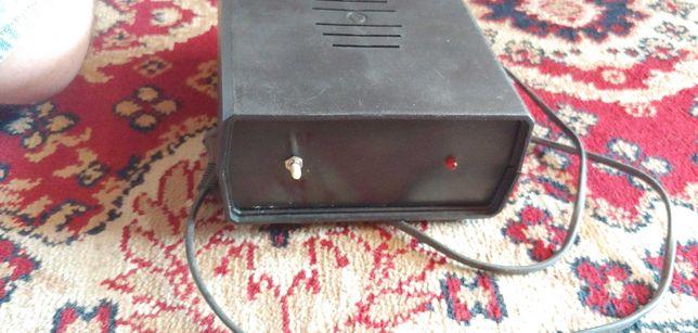 Zasilacz 13.8 V DC - sprawny, radio samoch.